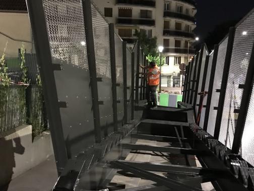 Protections caténaires escalier gare de Viroflay
